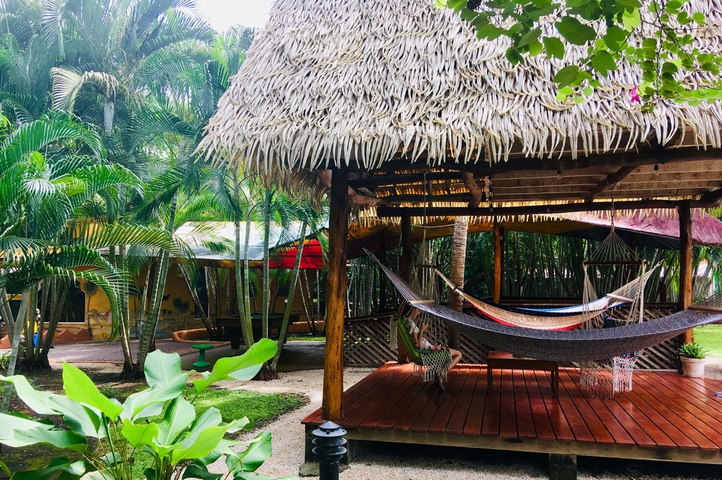 Hotel-flying-crocodile-costa-rica-detente-jardin-hamac